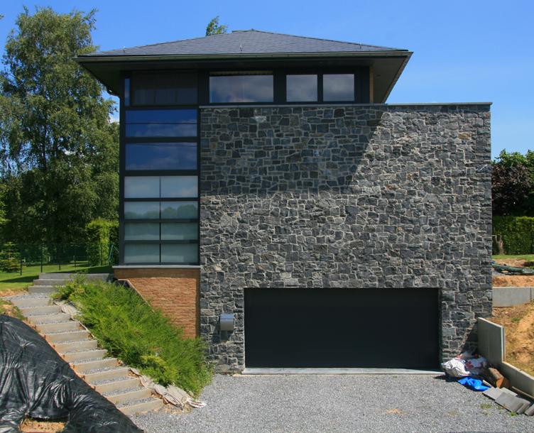Moellons, toit, japonais, terrain, pente, brique, bois